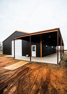Metal House Plans, Pole Barn House Plans, Pole Barn Homes, House Plans One Story, Barndominium Pictures, Barndominium Floor Plans, Steel Building Homes, Building A House, Barn Living