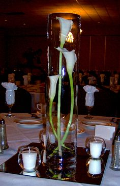 Centerpiece with a Trio of Staggered Calla Lilies