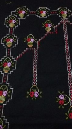 This post was discovered by fi Stitch Patterns, Small Blankets, Different Stitches, Crochet Round, Crochet For Beginners, Learn To Crochet, Handicraft, Crochet Projects, Pickling
