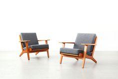 Hans J. Wegner Getama Easy Lounge Chairs