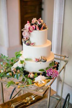 We love this cake! The roses, figs and berries are to die for! ~ we ❤ this! moncheribridals.com