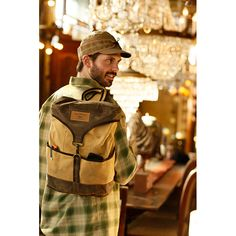 This ultra-tough, 100% cotton duck with paraffin-treated accents repels the elements and is built big (12″ x 5.5″ x 16″) to carry everything you need to escape work every once in a while.