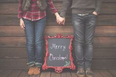 couples christmas photo ideas   Christmas Photo Ideas   sayyestohappy