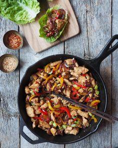 One pot wonder - lettvint gryterett - Mat På Bordet Le Creuset Outlet, One Pot Wonders, Paella, Cobb Salad, Healthy Lifestyle, Vegan Recipes, Clean Eating, Curry, Fresh