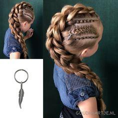 U can add ur ear cuff! Box Braids Hairstyles, Cool Hairstyles, Hairstyle Braid, Vikings Hair, Five Strand Braids, Viking Braids, Long Box Braids, Toddler Hair, Little Girl Hairstyles