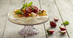 Ingredients 2 egg whites (½ tsp) cream of tartar (½ cup) castor sugar (½ tsp) vanilla essence 1 pineapple, chopped 1 cup strawberries, chopped 1 tin peaches, drained fat free va. Recipe Using Chicken, Vanilla Essence, Pavlova, Camembert Cheese, Cheesecake, Strawberry, Sweets, Sweet Ideas, Egg Whites