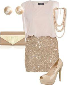 falda lentejuelas doradas y top blanco