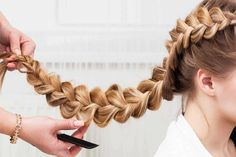 There are various types of hair braids that give you a feminine, romantic look. Here are 4 types of hair braids that you must try. Try On Hairstyles, No Heat Hairstyles, Braided Hairstyles, Hair Growing Tips, Grow Hair, Types Of Hair Braids, 4 Strand Braids, Pull Through Braid, Braids With Weave