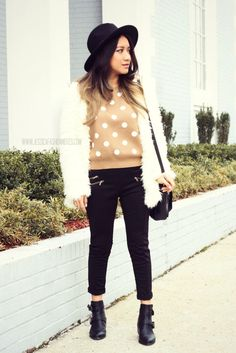 Un poco de Glam a un Look Casual via www.JessicaFashionNotes.com | outfit casual, fashion outfit, trendy, joryck, petite,