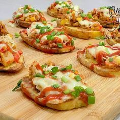 Good Food, Yummy Food, Bruschetta, Enchiladas, Baked Potato, Recipies, Food And Drink, Appetizers, Cooking Recipes