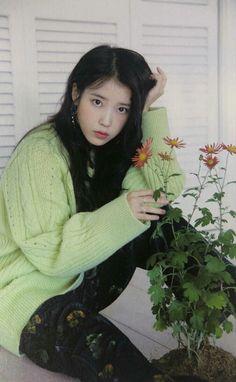 Photo album containing 186 pictures of IU Korean Actresses, Korean Actors, Korean Girl, Asian Girl, Iu Moon Lovers, Iu Fashion, Korean Celebrities, Korean Beauty, Korean Singer