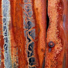 The art of rust, Shepherd's shed above Dent © Tina Negus