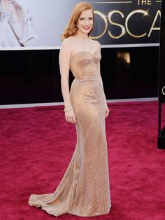 Jessica Chastain striking a pose at the #Oscars. #redcarpet http://www.ivillage.com/oscars-fashion-2013-best-worst-looks-5-year-old-critics/1-b-522884#523480