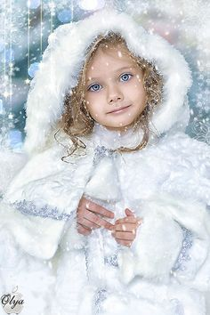 "Photo from album ""МОЯ АНИМАЦИЯ"" on Yandex. Christmas Pictures, Christmas Art, Beautiful Christmas, Cute Kids Photography, Christmas Photography, Gifs, Beautiful Children, Beautiful Babies, Illustration Noel"
