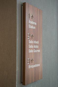 #brise #briseclubecondominio #wayfinding @signage #sinalizacaoambiental #sinalizacao #orientacao #directionalsign #calper Signage Board, Entrance Signage, Hotel Signage, Directional Signage, Office Signage, Wayfinding Signs, Environmental Graphic Design, Environmental Graphics, Hospital Signage