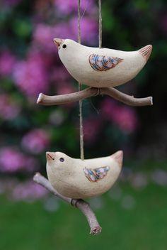 Vogel auf Ast