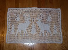 Reindeer Filet Crochet Doily by Christine Anderson.  Free pattern on ravelry.    [100_0140 by 1983mof3, via Flickr]