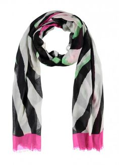 ONLY CREAM CHUNKY KNIT NAVY TRIM SCARF 67/'/' X 15 /'/' WIDE RRP 25 NOW £12.99