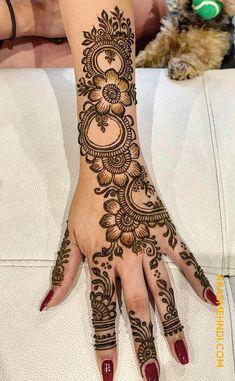 50 Most beautiful Hariyali Teej Mehndi Design (Hariyali Teej Henna Design) that you can apply on your Beautiful Hands and Body in daily life. Back Hand Mehndi Designs, Pretty Henna Designs, Khafif Mehndi Design, Henna Tattoo Designs Simple, Beginner Henna Designs, Mehndi Designs Book, Latest Bridal Mehndi Designs, Mehndi Designs 2018, Modern Mehndi Designs