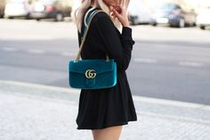 Gucci Marmont Velvet Bag Outfit #gucci #outfit #fashion #marmont #blogger