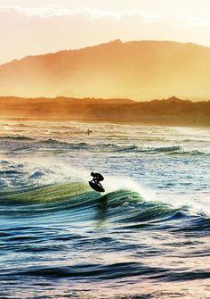 Florianópolis - Praia da Joaquina -  Surfing.