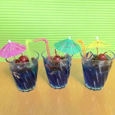 Coctel Curaçao azul. Vela con aroma manzana. $120