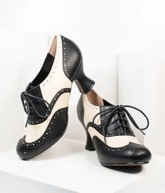 Vintage Inspired Shoes, Vintage Style Shoes, Vintage Heels, Retro Heels, 1950s Fashion Shoes, 1930s Shoes, 80s Fashion, Fasion, Fashion Ideas