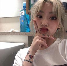 Korean girl with tattoos and piercings [bad girls] Girl Bad, Uzzlang Girl, Bad Girls, Soft Grunge Hair, Grunge Girl, Ulzzang Korean Girl, Cute Korean Girl, Piercings For Girls, Asia Girl