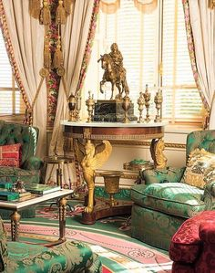 Empire table with a renaissance, covered cup collection