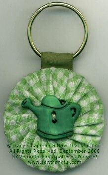 Sew Thankful Blog » Blog Archive » Quick and Easy Sew Thankful Fabric Yo-Yo Key Chain project