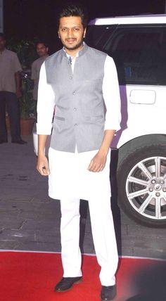 Riteish Deshmukh at Kush Sinha's wedding reception.