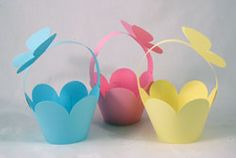 cupcake baskets - pastel mix. also cute for other mini picnic food