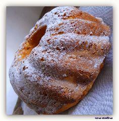 Όταν κλείνεις τα μάτια στην πρώτη δαγκωματιά...  ΥΛΙΚΑ  150 γρ βούτυρο  2 ½ φλ αλεύρι ΓΟΧ  4 μεγάλα μήλα  4 αυγά  1 κτγ baking powder  3 κτΣ...