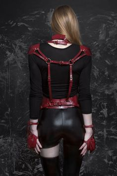 Red leather harness handmade in France by Téo+NG