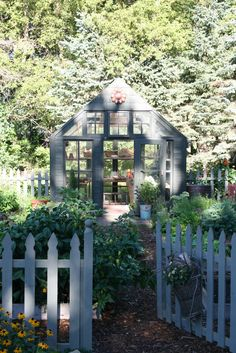 Country greenhouse featured in Country Gardens Magazine