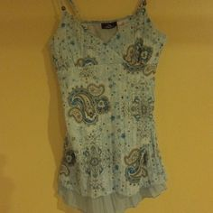 WOMENS TOP JORDACHE BLUE COLORS WITH PAISLEY NEW SIZE MEDIUM