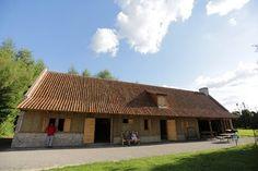 Etable d'Aumale : salle d'accueil groupes et local des forgerons de l'association le Zèle Fer