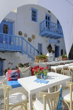 """""""Syrianon Kafepoteio"""" in Ano Syros, Syros, Greece Vacation Places, Places To Travel, Places To Visit, Places Around The World, Around The Worlds, Syros Greece, Greek Blue, Greek Isles, Europe"""