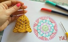 Crochet christmas bells New Ideas Crochet Christmas Decorations, Christmas Crochet Patterns, Crochet Christmas Ornaments, Crochet Decoration, Crochet Snowflakes, Christmas Bells, Crochet Motifs, Crochet Chart, Crochet Stitches