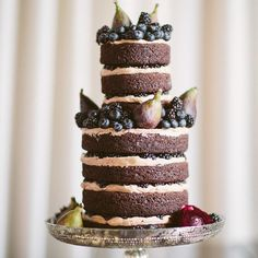 Naked Wedding Cakes Bare It All For the Summer: Gone are the days when hot Summer weather makes icing drip down your wedding cake!