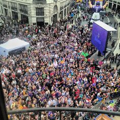 A great roof top photo of the #RegentStreet #NFL block party by @anunlockedwindow