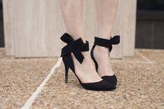 Rian Nichole Fashion Consulting // Fashion Blogger // Street Style // Stylist // Bow Heels // riannichole.com // Rosalyn Ash Photography