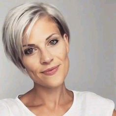 I hope you are loving these clips I'm reposting. This is iris jehle on Instagram. Click below to visit her page. #shortbobhaircuts Short Hair Undercut, Cute Hairstyles For Short Hair, Bob Hairstyles, Curly Hair Styles, Blonde Haircuts, Long Pixie Haircuts, Hairstyles For Older Women, Short Haircuts For Women, Short Asymmetrical Hairstyles