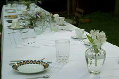 Mesa posta para o café da manhã - flores e muito amor!