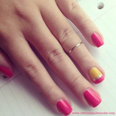 Pencil nails for school time! Pencil nails for school time! Teacher Nail Art, Pencil Nails, Back To School Nails, New Years Eve Nails, Nail Art For Kids, Gold Nail Polish, Braid Designs, Color Street Nails, Accent Nails