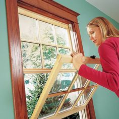 Ready to replace your drafty old windows with new energy-efficient units? We'll show you the two easiest ways to pull out old windows and put new ones in—and you don't have to tear off the interior moldings or disturb exterior trim and siding to do it.