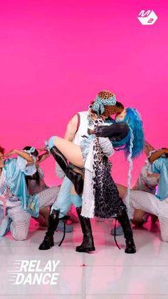 Hip Hop Dance Videos, Dance Kpop, Black Pink Songs, Hyena, Anime Films, Jenni, Pop Music, Bts Jimin, Kpop Girls