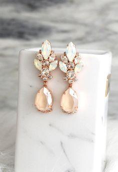 Etsy Bridal Earrings, Ivory Drop Earrings, Bridal Cream Beige Earrings, Ivory Gold Chandelier Earrings, B Gold Chandelier Earrings, Gold Bridal Earrings, Wedding Jewelry, Drop Earrings, Cream Earrings, Stylish Jewelry, Cute Jewelry, Fashion Earrings, Stud Earrings