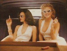 """Pin Up"" ~ Eva Herzigova & Karen Mulder by Ellen von Unwerth for Vogue… Boujee Aesthetic, Aesthetic Vintage, Aesthetic Pictures, Aesthetic Grunge, Ellen Von Unwerth, Pin Up, Vogue, Leila, 1950s"