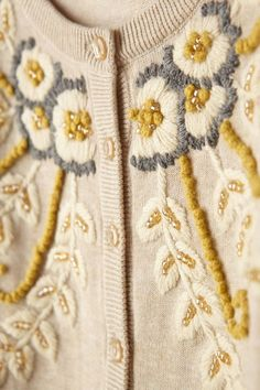 Retro Embroidery Ideas Fanned Vines Cardigan // In neutral, granny-chic. - Fanned Vines Cardigan // In neutral, granny-chic. 28 Trendy Outfits To Update You Wardrobe This Summer – Fanned Vines Cardigan // In neutral, granny-chic. Embroidery On Clothes, Hand Work Embroidery, Embroidered Clothes, Embroidery Fashion, Floral Embroidery, Tambour Embroidery, Embroidery Stitches, Embroidery Designs, Embroidery Techniques